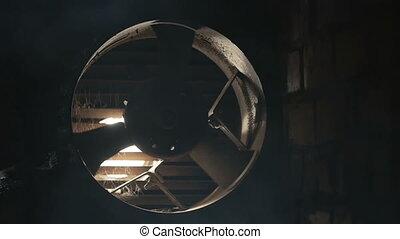 tourner, lent, ventilateur électrique, air, courant, ventilation, produire, ventilateur