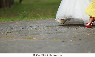 tout, asphalte, elle, fiancée, allure, ensemble.,...