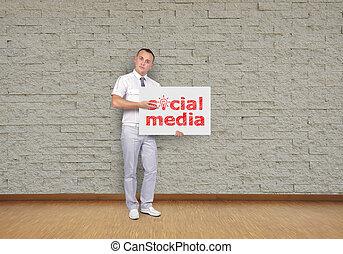 towarzyski, media