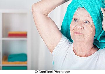 Towel on the head