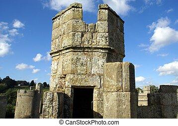 tower, Bodiam castle, England