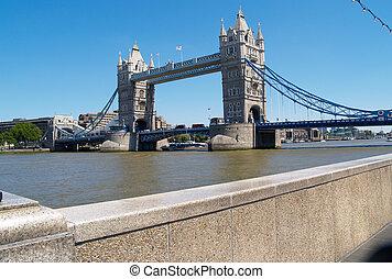 Tower Bridge from Riverwalk, London, UK>