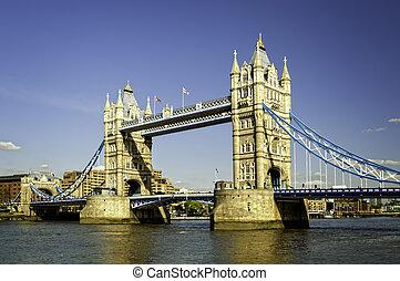 Tower Bridge .