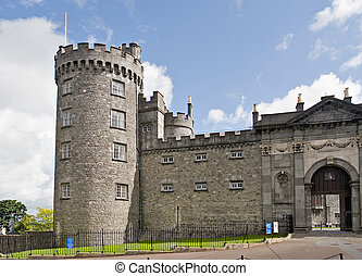 Tower, wall, and entrance to Kilkenny Castle