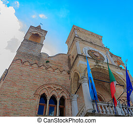 Town hall - View of the Loggia comunale, town hall in...