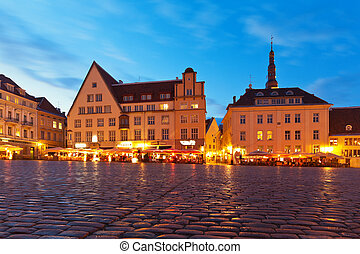 Town Hall Square in the Old Town in Tallinn, Estonia -...