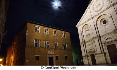 Town square of Pienza at night