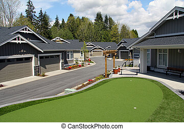 Townhomes with golf green - Luxury townhomes with a golf...