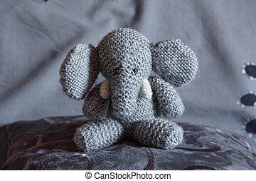 toy-3, 象