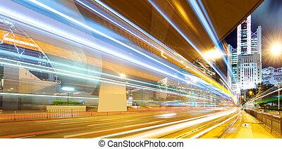 tráfico, en, hong kong, por la noche