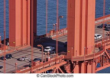 tráfico, en, puente de la puerta de oro