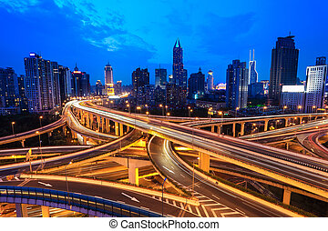 tráfico, moderno, por, ciudad