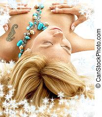 träumende, blond, bett, mit, schneeflocken
