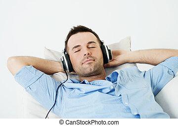 träumende, musik- hören, mann
