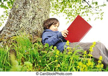 træ, bog, under, læsning, børn, glade