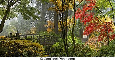 træagtig bro, hos, japansk have, ind, efterår, panorama