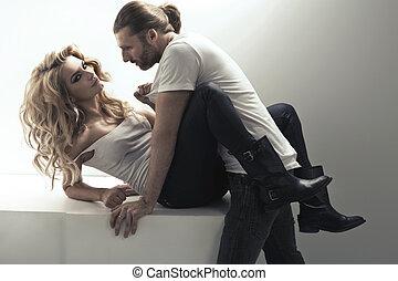 très, couple, scène, sensuelles, séduisant