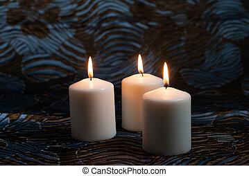 três, branca, experiência., velas, iluminado, escuro