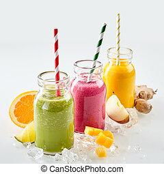 três, de, fruta, smoothies, ligado, gelo