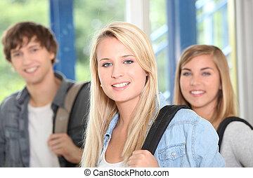 três, feliz, estudantes colégio