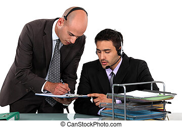 tröttsam, hörlurar, arbetare, kontor
