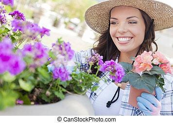 tröttsam, kvinna, trädgårdsarbete, ung vuxen, utomhus, hatt