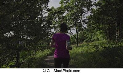 traîner courir, femme, forêt, fitness