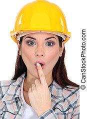 trabajador construcción, sorprendido