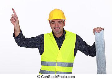trabajador, en, high-visibility, chaleco, señalar
