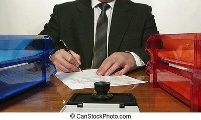 trabajador, lapso tiempo, ocupado, papeleo, oficina