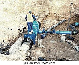 trabajador, metro, en, puerta, válvula, reconstrucion, de, agua bebida, sistema