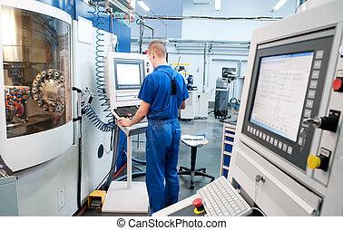 trabajador, operar, cnc, máquina, centro