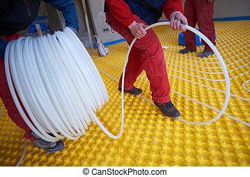 trabajadores, calefacción, underfloor, sistema, instalación