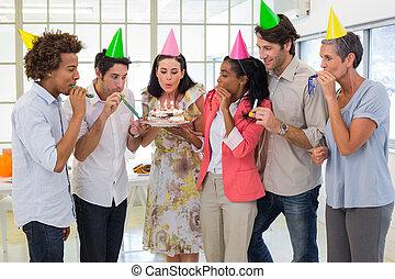 trabajadores, celebrar, un, cumpleaños, toge