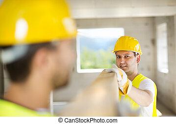 trabajadores construcción