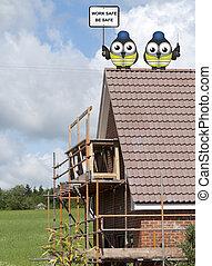 trabajadores construcción, perched, en, un, techo