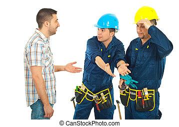 trabajadores, dar, explicaciones, a, un, cliente