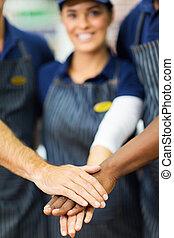 trabajadores, supermercado, juntos, Manos