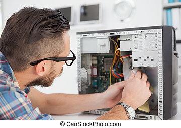 trabajando, computadora, ingeniero, roto, consola