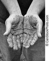 trabajo, abierto, manos sucias