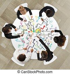 trabajo en equipo, con, nuevo, proyecto