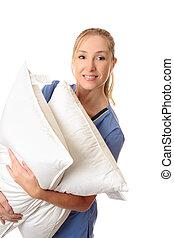 trabalhador, carregar, paciente, travesseiros, cuidados de...