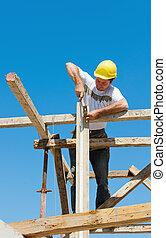 trabalhador construção, ligado, andaime
