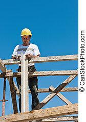 trabalhador construção, ligado, andaime, ocupado, ligado, formwork, preparação
