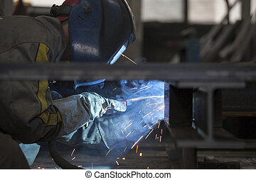 trabalhador industrial, soldadura