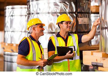 trabalhadores armazém, contagem, estoque