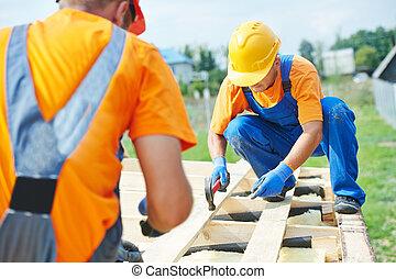 trabalhadores, carpinteiro, telhado