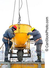 trabalhadores construção, em, concreto, trabalho, ligado, local construção