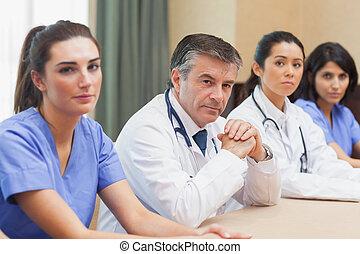 trabalhadores, painel, médico