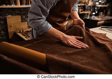 trabalhando, couro, cima, têxtil, sapateiro, fim
